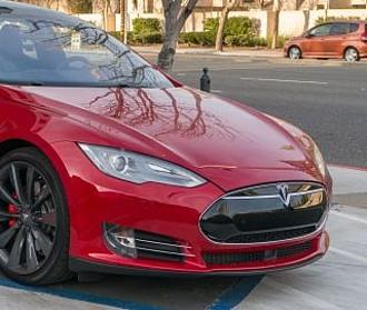Geschwindigkeitsüberschreitung Tesla