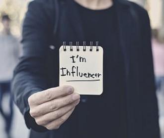 Influencer-Vertrag